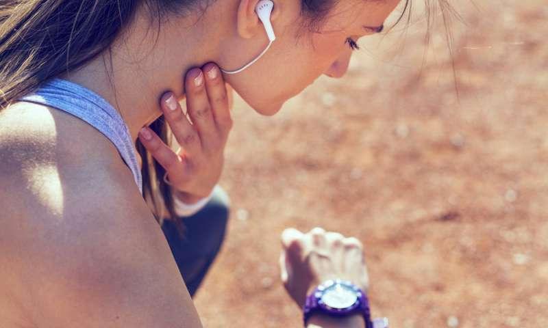 A regular pulse check. | 8 Self-Checks Every Woman Should Do | Her Beauty