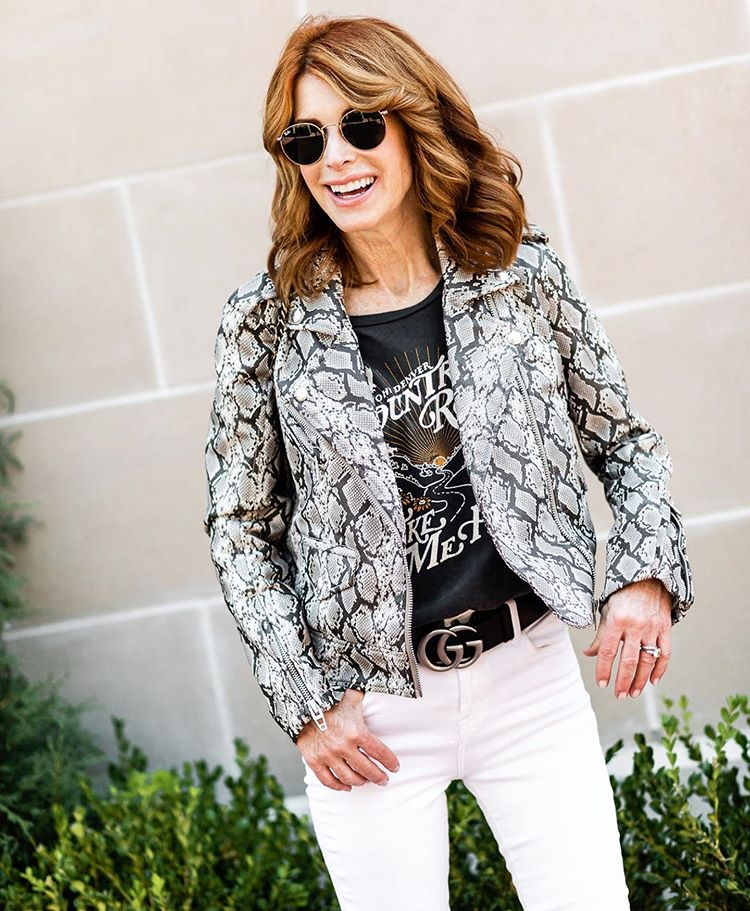athy Williamson | 12 Over-50 Women With Ridiculously Good Style | Her Beauty