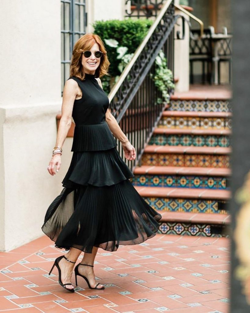 athy Williamson LBD| 12 Over-50 Women With Ridiculously Good Style | Her Beauty