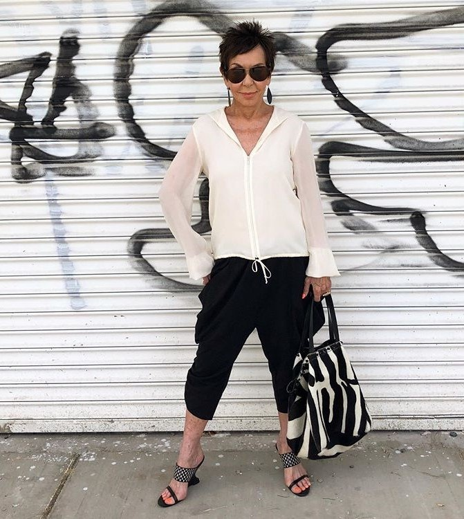 Dorrie Jacobson outfit | 12 Over-50 Women With Ridiculously Good Style | Her Beauty