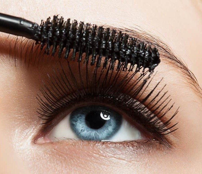 finishing with a thicker formula which adds volume | How To Apply Mascara Like A Pro | Her Beauty