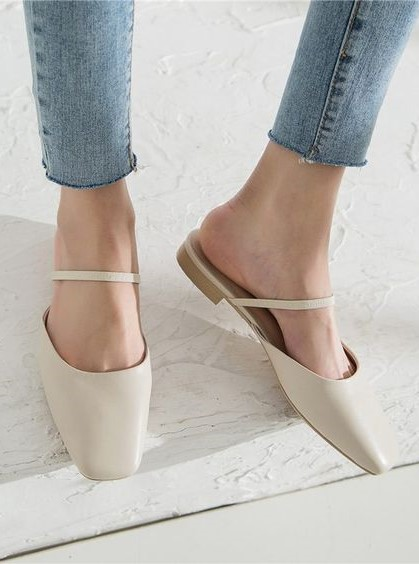 Mules | 7 Wardrobe Staples You'll Wear ALL of 2019 | Her Beauty