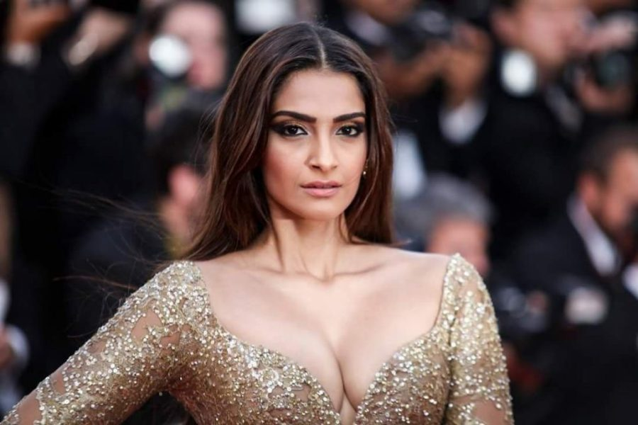 Sonam Kapoor   8 Bollywood Stunners Share Their Main Beauty Routines, And We Can't Wait To Try Them   Her Beauty