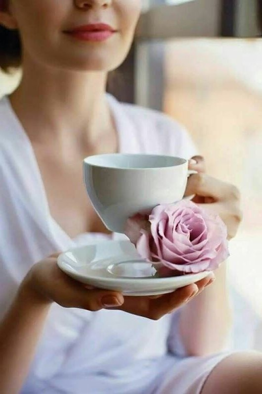 Drink tea | 12 tips on how to look 30 years old when you're 50 years old | Her Beauty