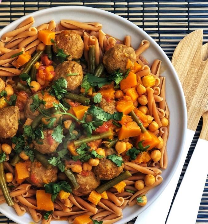 Mild Meatball Pumpkin Curry | 12Healthy Pumpkin Recipes Perfect for Fall | Her Beauty