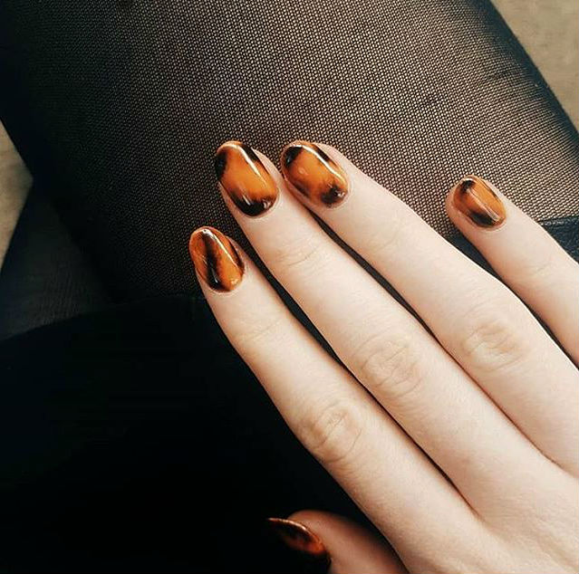Cuticle striping | Tortoiseshell Nails are Autumn's Coolest Manicure Trend | Her Beauty