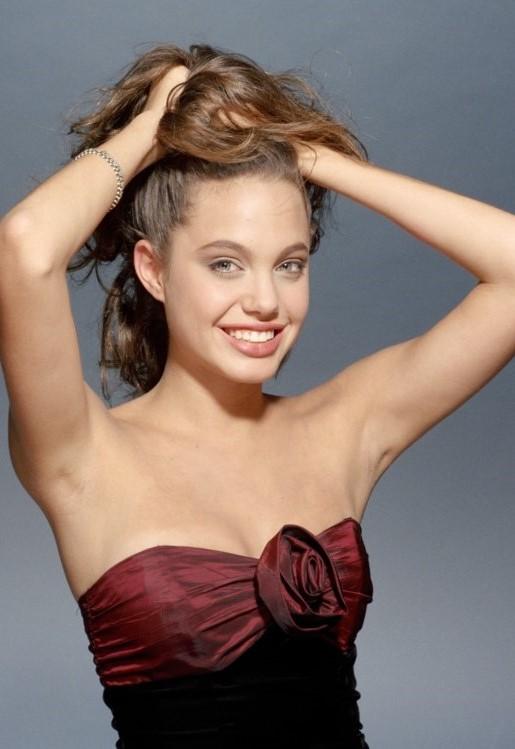Анджелина Джоли начинала как модель  #2 | 11 малоизвестных фактов об Анджелине Джоли | Her Beauty