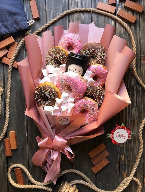 Make a DIY gift | 9 Gifts That Are Better Than Flowers | Her Beauty