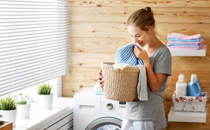 Find a natural laundry detergent | 9 Simple Tips to Relieve Dry Skin Fast | Her Beauty