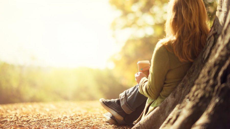 Introvertidas | 6 señales que eres una mujer extremadamente empática | HerBeauty