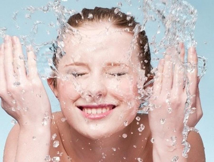 Контрастный душ | С чего начинать утро? 8 полезных правил для максимально продуктивного дня | Her Beauty