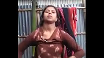 Desi Bengali Village girl showing pussy to her boyfriend through Whatsapp video call for enjoy