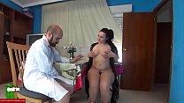 Pamela & Jesus play to the doctors. SAN153