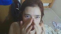 Video amateur realmente caliente. Sexo a escondidas con mi pequeña hermana calentona