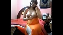 Bhabhi masturbating while sex chat on phone