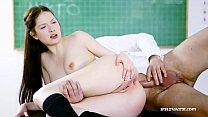 Rebecca Volpetti en sexo anal con su maestro