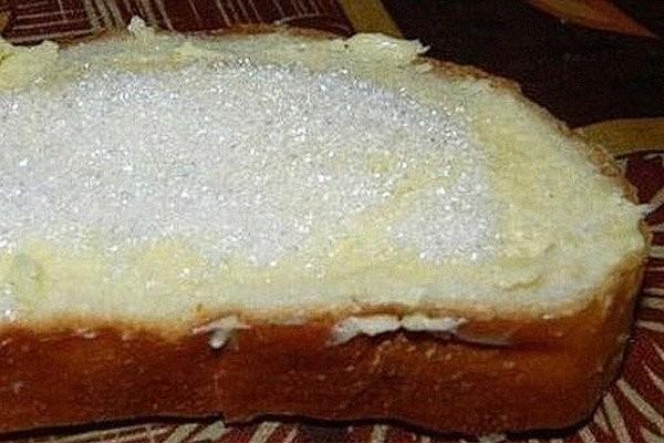 Хлеб с маслом и сахаром