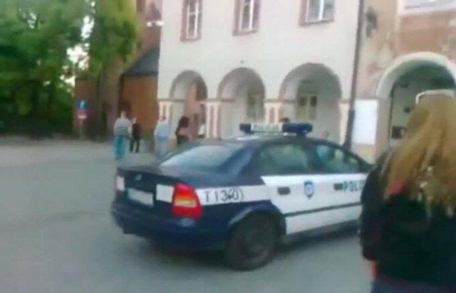 Бегство из полицейской машины