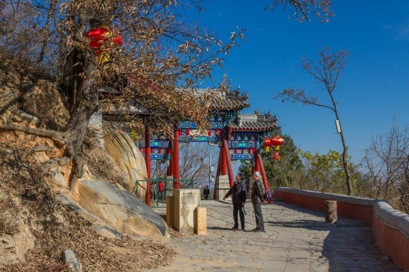 Арка-пайлоу, Баочжу-дун, Бадачу