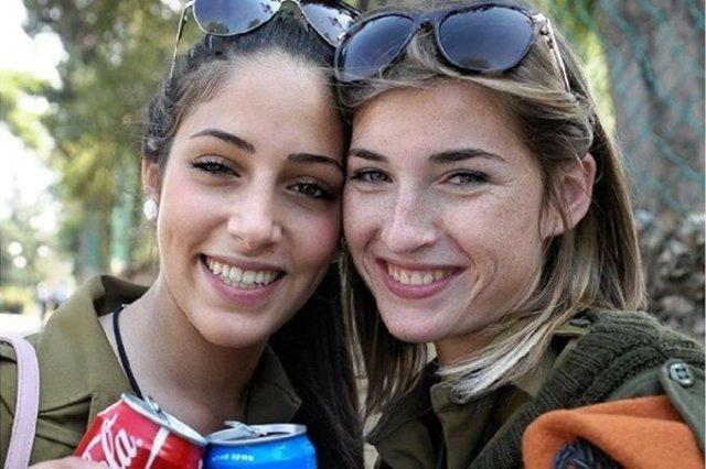 Израильская военщина c конопушками на носу