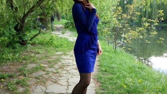 Фотосет харизматичной девчонки в парке
