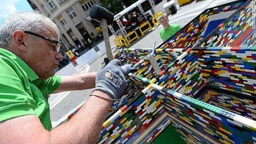 Самая высокая башня из Lego