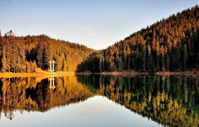 Озеро Синевир, прекрасна перлина Карпатських гір