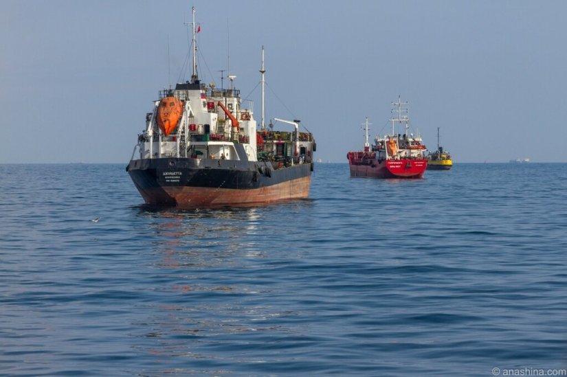 Корабли на рейде, Черное море, Новороссийск