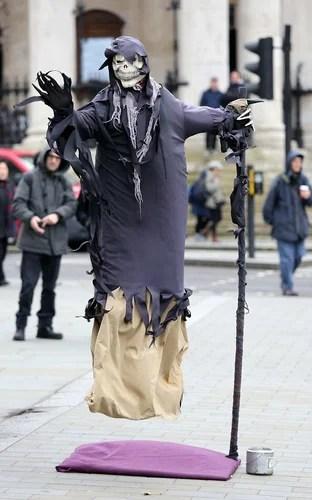 Живые статуи в центре Лондона