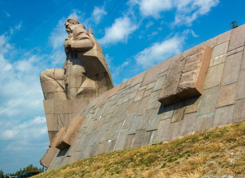 Морякам революции, Новороссийск