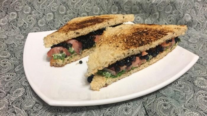 Сэндвичи с красной рыбой