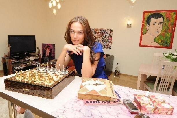 История о том, как Алёна Водонаева обнаженной для журнала снялась