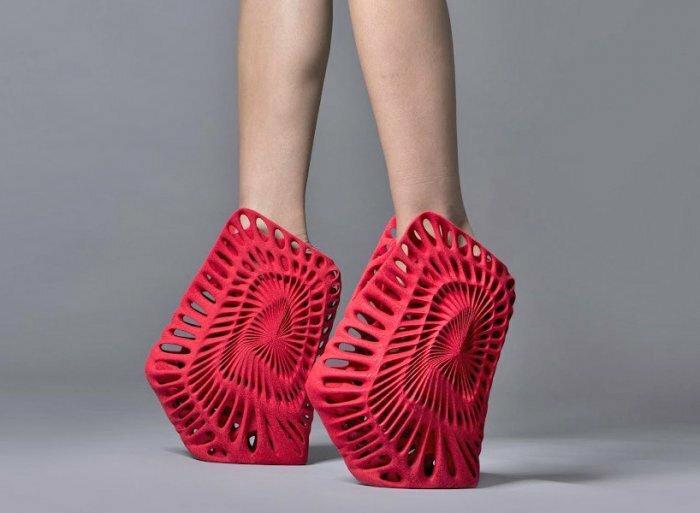 Экспериментальная обувь будущего