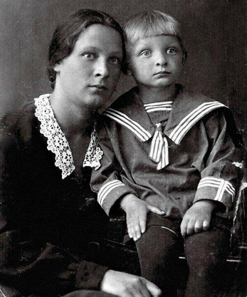 Как выглядят мамы известных людей. Позитив из Города Солнца