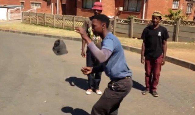 Видео. Уличные трюки со шляпами