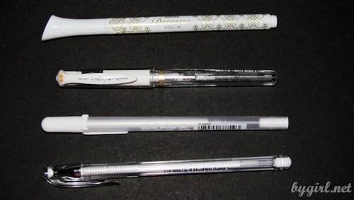 Белые ручки и лайнеры