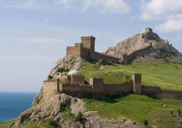 10 замків України   найбільш відомі