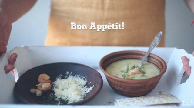 Овощной крем суп с креветками (видеорецепты)