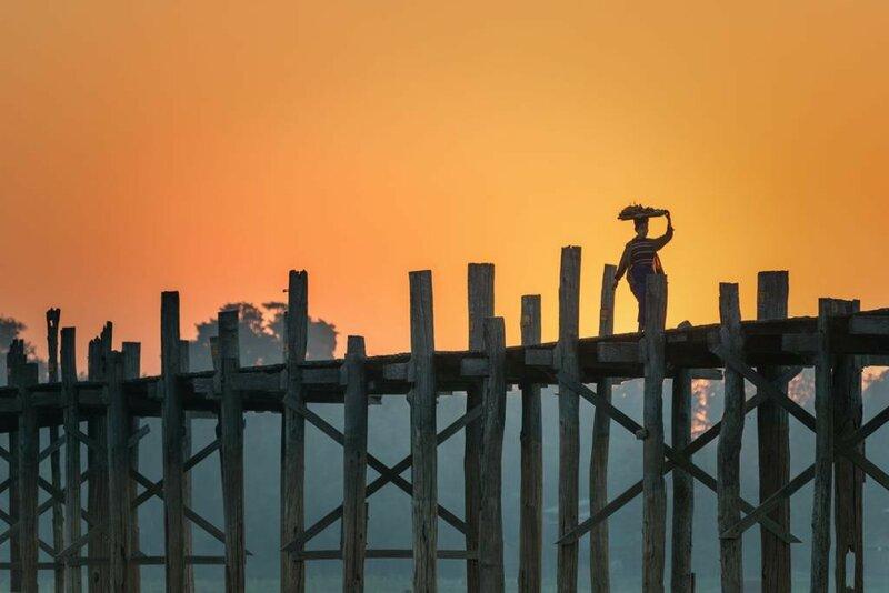 Мьянма. Амаяпуя. Деревянный мост Убэйн. Сооружение считается самым старым и длинным в мире мостом из тика. (thaths)