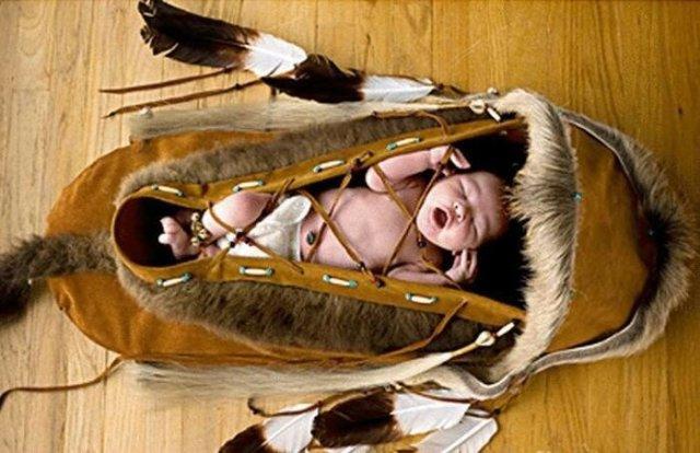 Чому практично всі народи мали підвісні колиски для немовлят