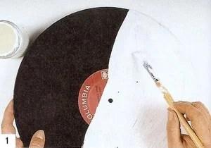 сделать часы из старой пластинки декупаж