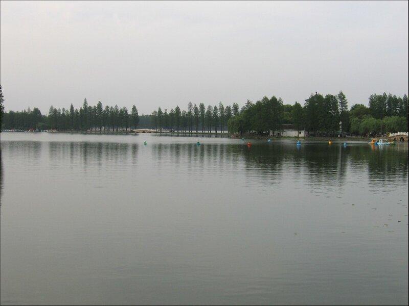 Тинтао, озеро Дунху, Ухань