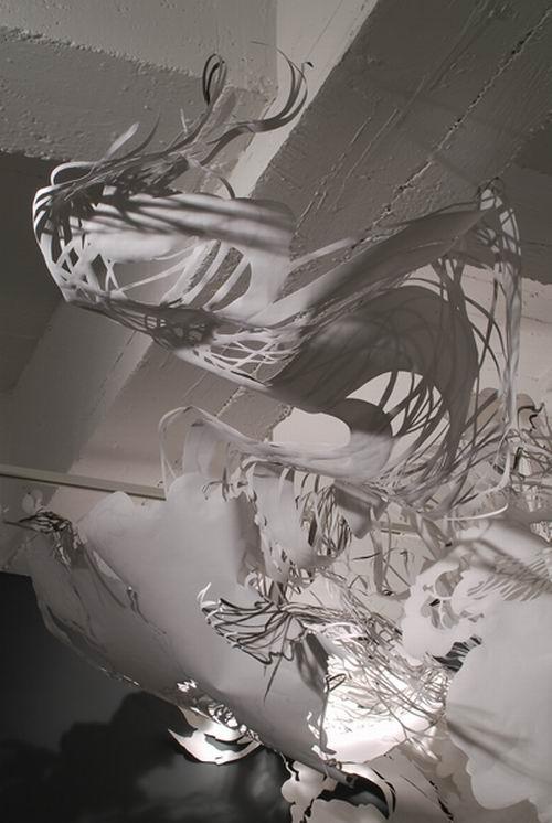 Кружевные бумажные инсталляции Mia Pearlman