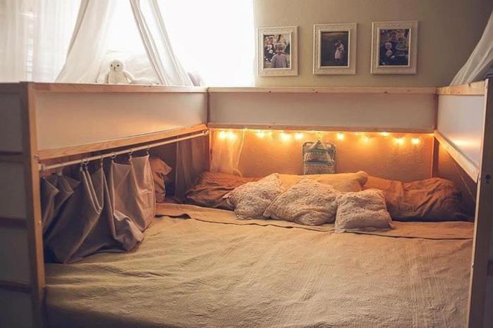 Самодельная огромная кровать для 7 членов семьи