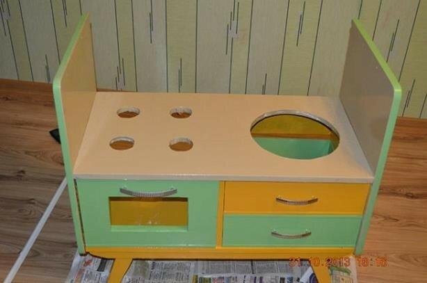 Как самому сделать детскую кухню дома