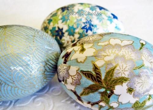пасхальные яйца голубых цветов