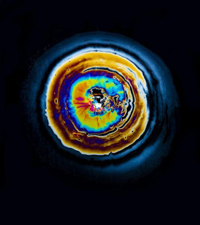 Фабиан Офнер. «Нефтяные разливы» (Oil Spill).