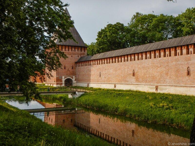 Крепостная стена и Копытенские ворота, Смоленская крепость, Смоленск, Лопатинский сад