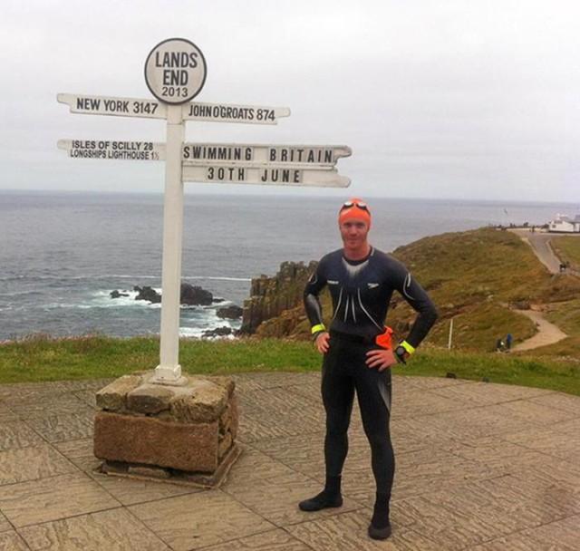 Шон Конвэй проехал, пробежал и проплыл через всю Британию