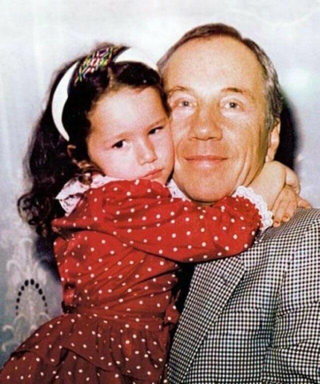 Савелий Крамаров вместе с дочкой